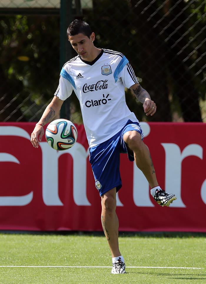 El jugador de la selección argentina Ángel Di María durante el entrenamiento. Foto: EFE