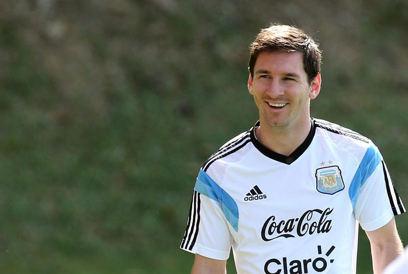 El jugador de la selección argentina Lionel Messi entrena con el equipo. Foto: EFE