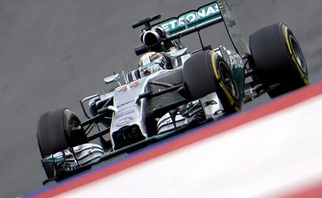 Lewis Hamilton, el más rápido en los segundos entrenamientos en Austria