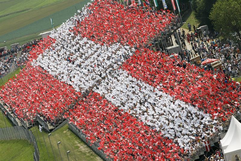 Asistentes al Gran Premio de Austria. Foto: EFE