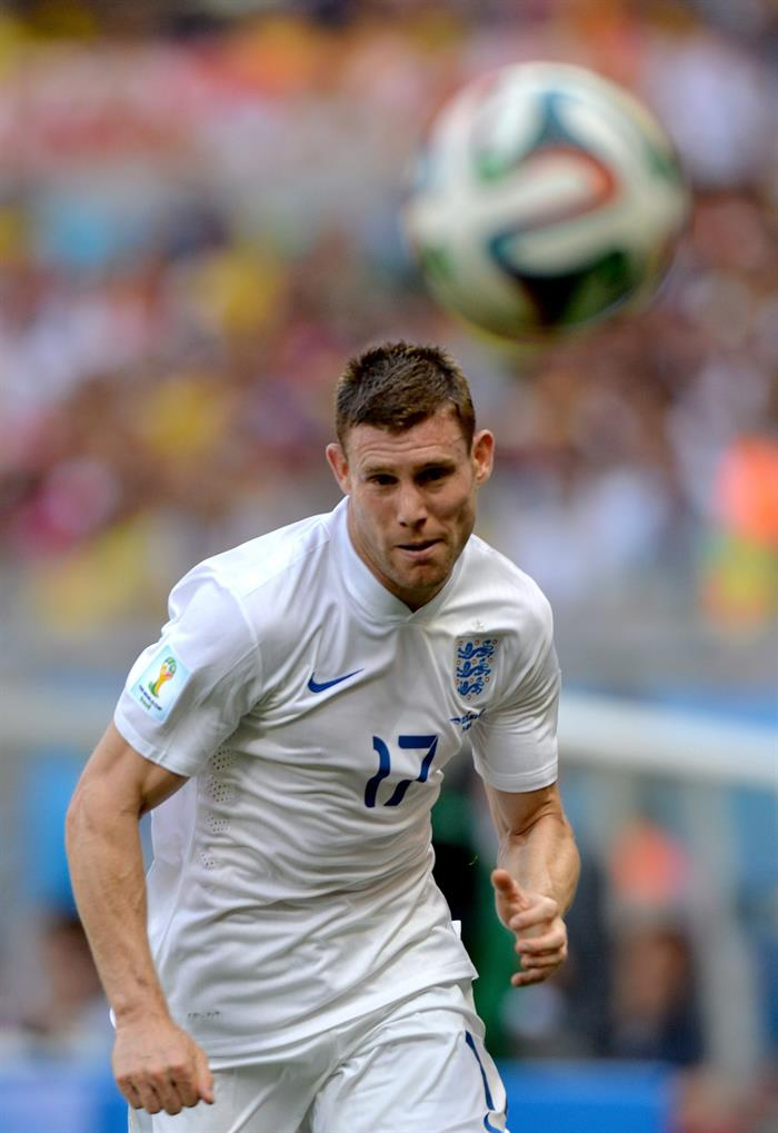 James Milner of England in action during the FIFA World Cup 2014 group D. EFE
