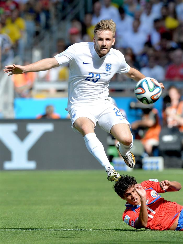 Yeltsin Tejeda (down) of Costa Rica vies with Luke Shaw of England during the FIFA. EFE