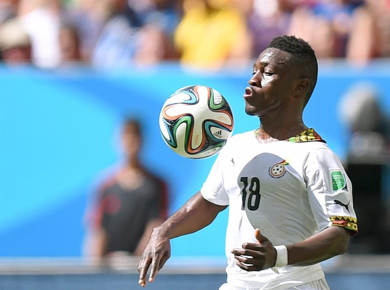 Majeed Waris of Ghana controls the ball during the FIFA World Cup 2014 group G. EFE