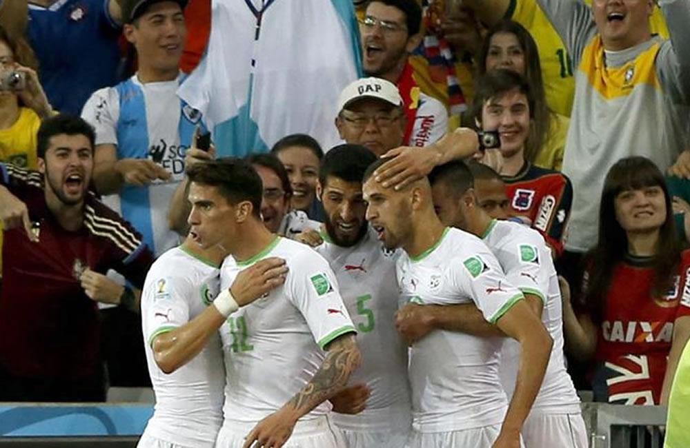 El fracaso de Capello marca el pase histórico de Argelia. EFE