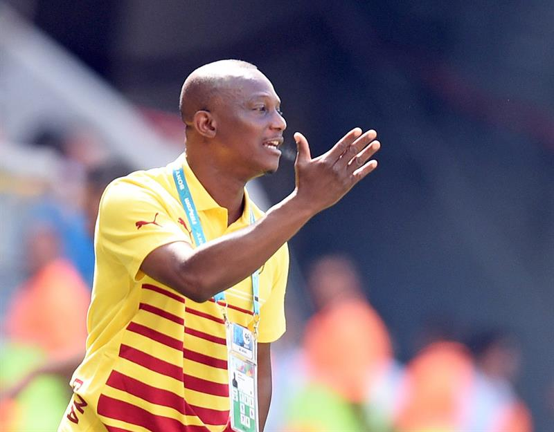Ghana's head coach James Appiah gestures during the FIFA World Cup 2014 group G. EFE