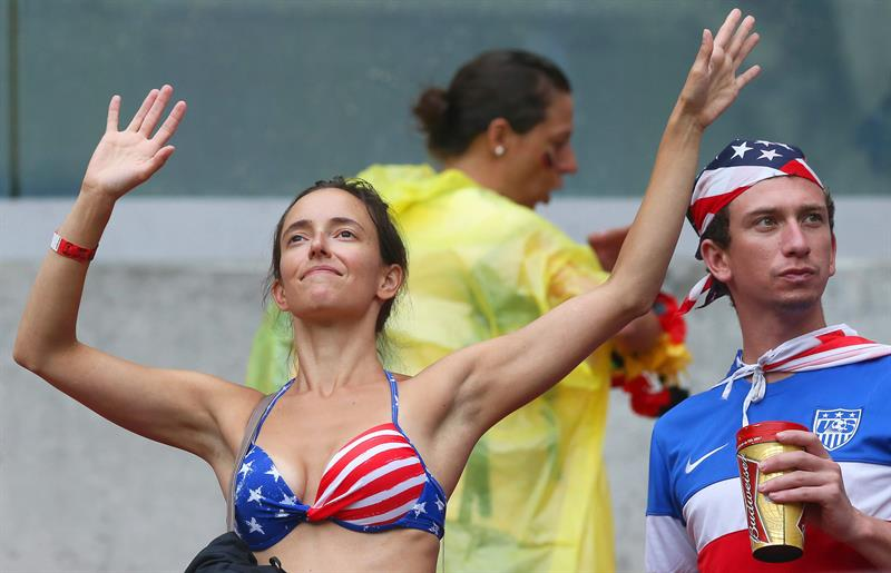 Fanáticos en el partido Estados Unidos-Alemania por el Grupo G de Mundial de Brasil 2014. Foto: EFE