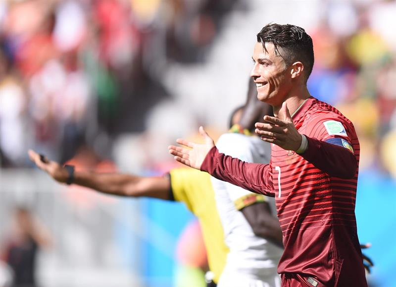 Cristiano Ronaldo of Portugal reacts during the FIFA World Cup 2014 group G. EFE