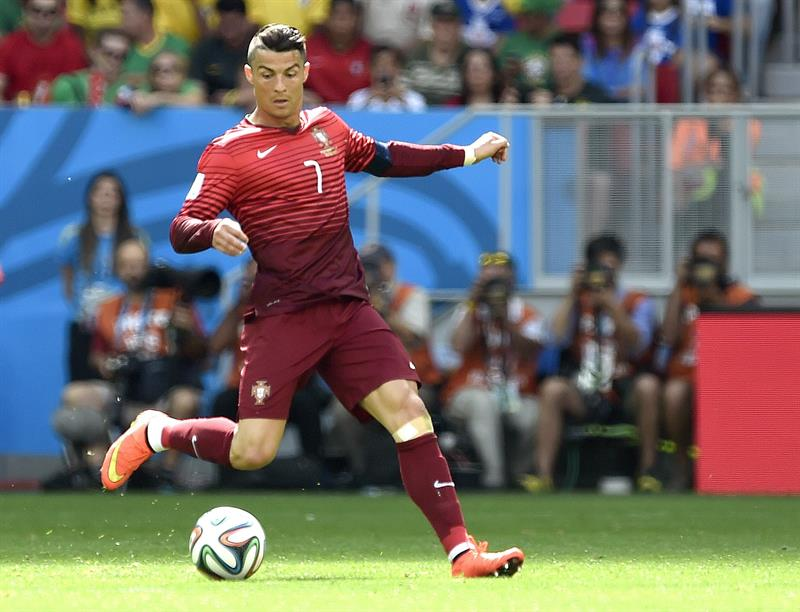Cristiano Ronaldo of Portugal in action during the FIFA World Cup 2014 group G. EFE