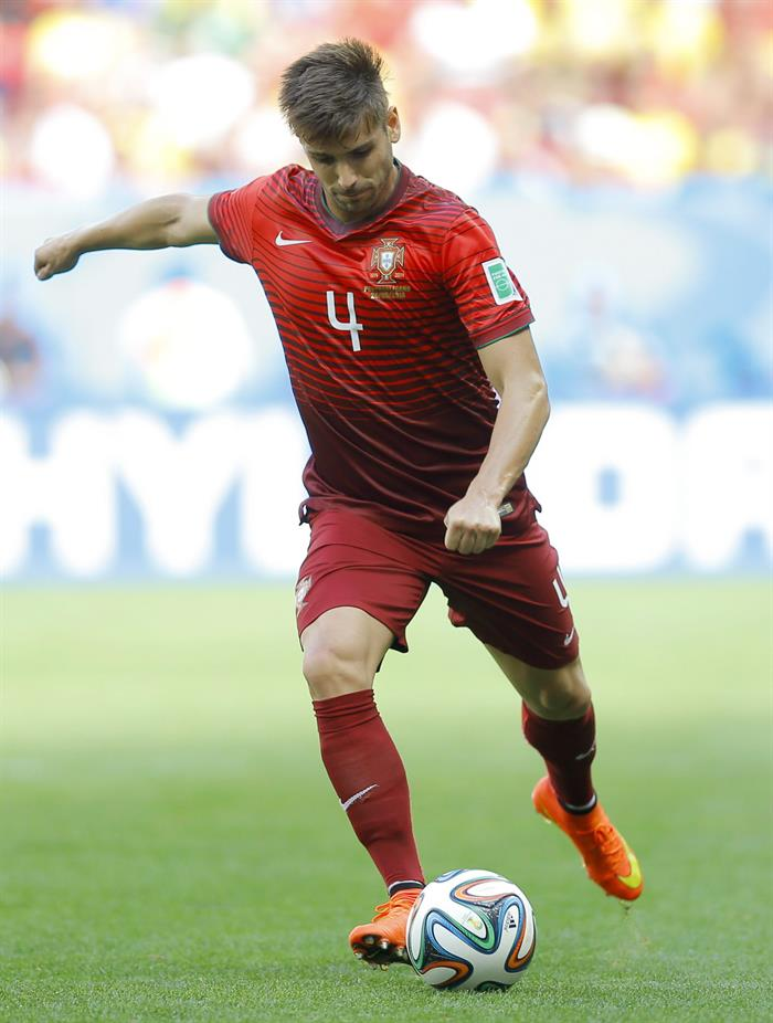 Miguel Veloso of Portugal in action during the FIFA World Cup 2014 group G. EFE
