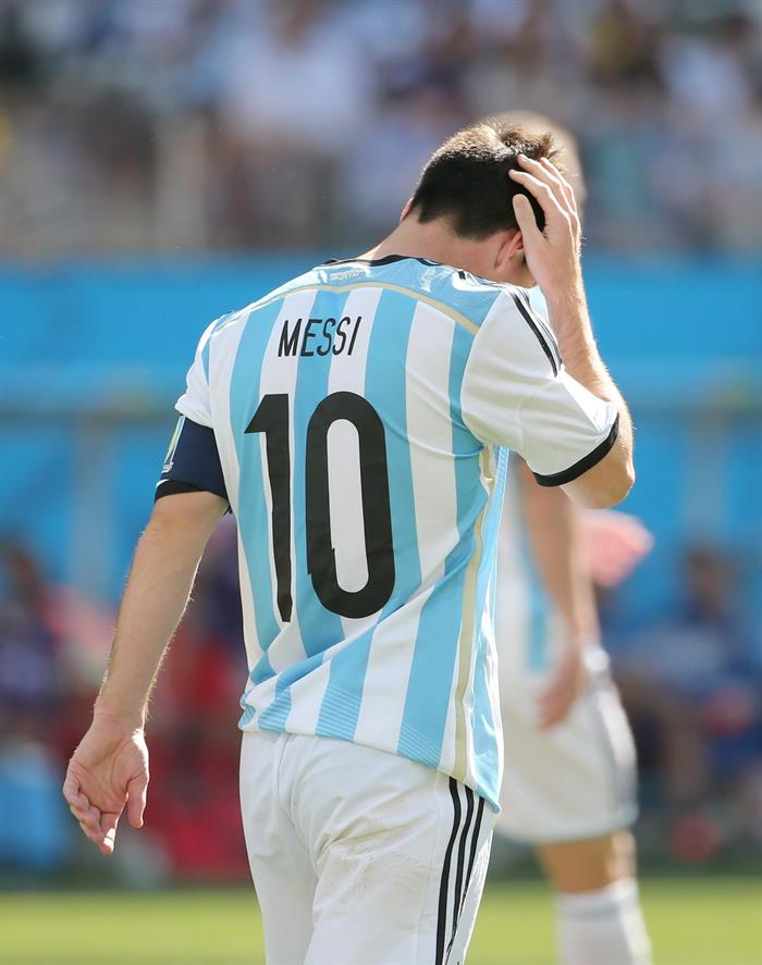 Lionel Messi of Argentina reacts during the FIFA World Cup 2014. EFE