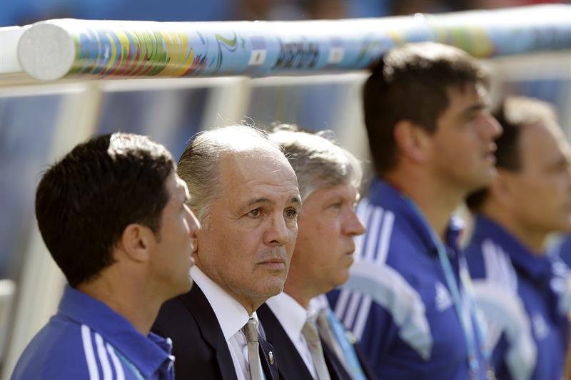 El entrenador de la selección argentina, Alejandro Sabella ante Suiza. EFE