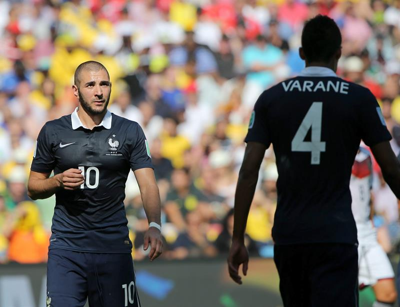 Karim Benzema of France reacts during the FIFA World Cup 2014. EFE