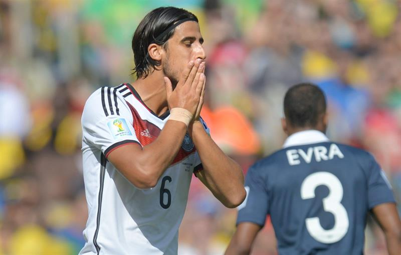 Sami Khedira (L) of Germany reacts during the FIFA World Cup 2014. EFE