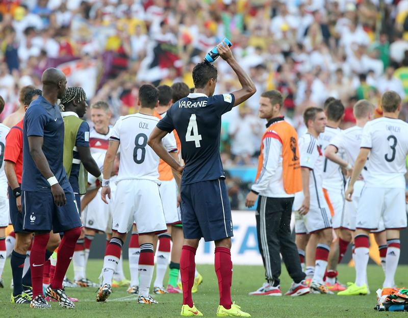 Raphael Varane (C) of France reacts after losing the FIFA World Cup 2014. EFE