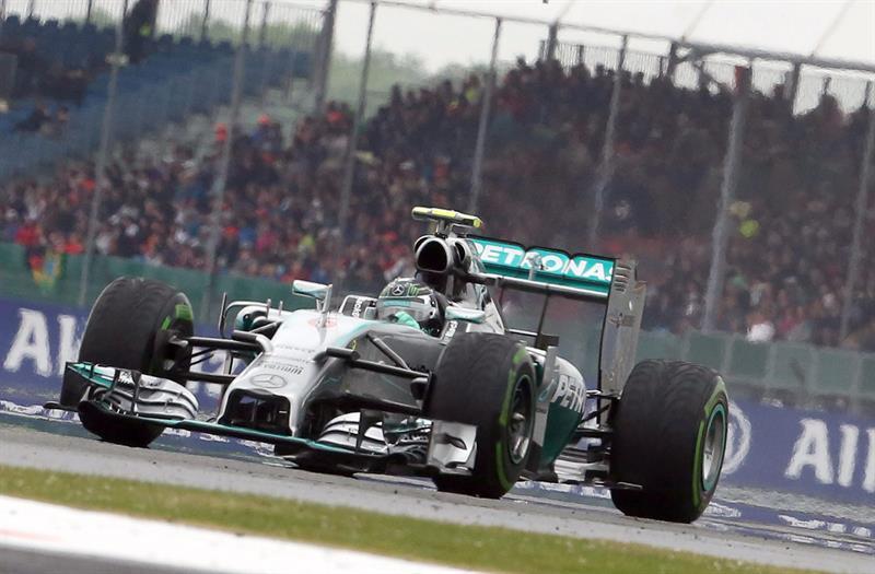 El piloto alemán Nico Rosberg durante la clasificación del Gran Premio de Gran Bretaña. Foto: EFE