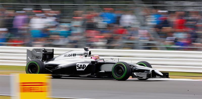El piloto británico Jenson Button durante la clasificación del Gran Premio de Gran Bretaña. Foto: EFE