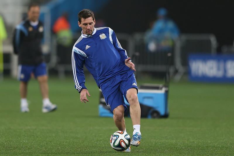 Argentina se entrena en Sao Paulo en el peor día de Brasil