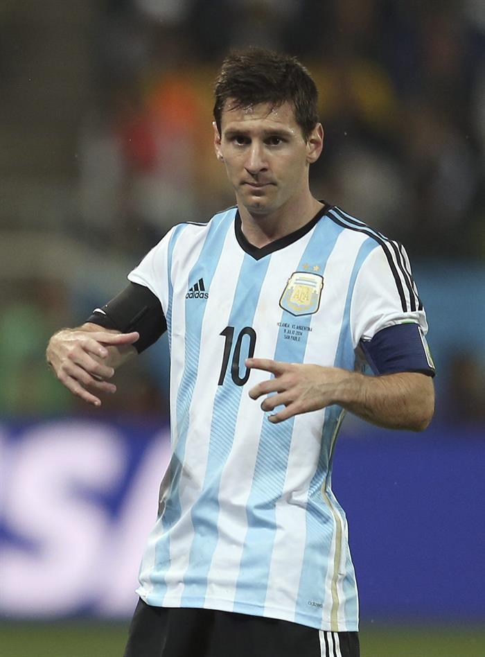 El delantero argentino Lionel Messi durante el partido Holanda-Argentina, de semifinales del Mundial de Fútbol. Foto: EFE