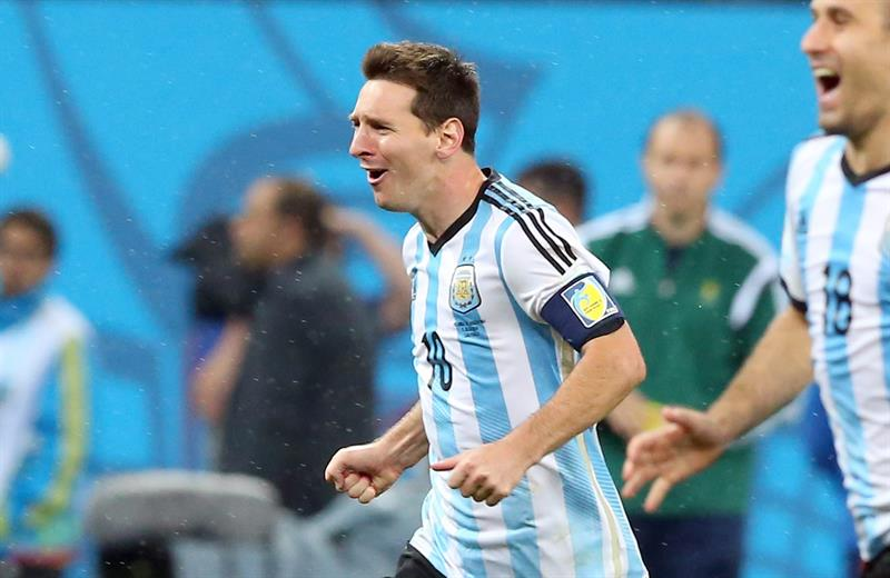 Argentina's Lionel Messi celebrates after his team won the penalty shoot-out of the FIFA World Cup 2014. EFE