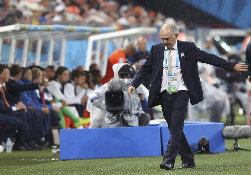 El representante de Alejandro Sabella, Eugenio López, ratificó que el DT argentino dejará su cargo luego de la final de la Copa del Mundo. EFE