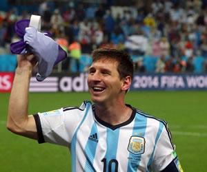 Alemania y Argentina buscan la corona de España, y Messi la gloria. EFE