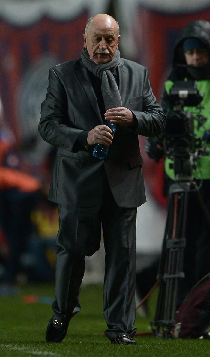 El director técnico de Bolívar Xabier Azkargorta. EFE