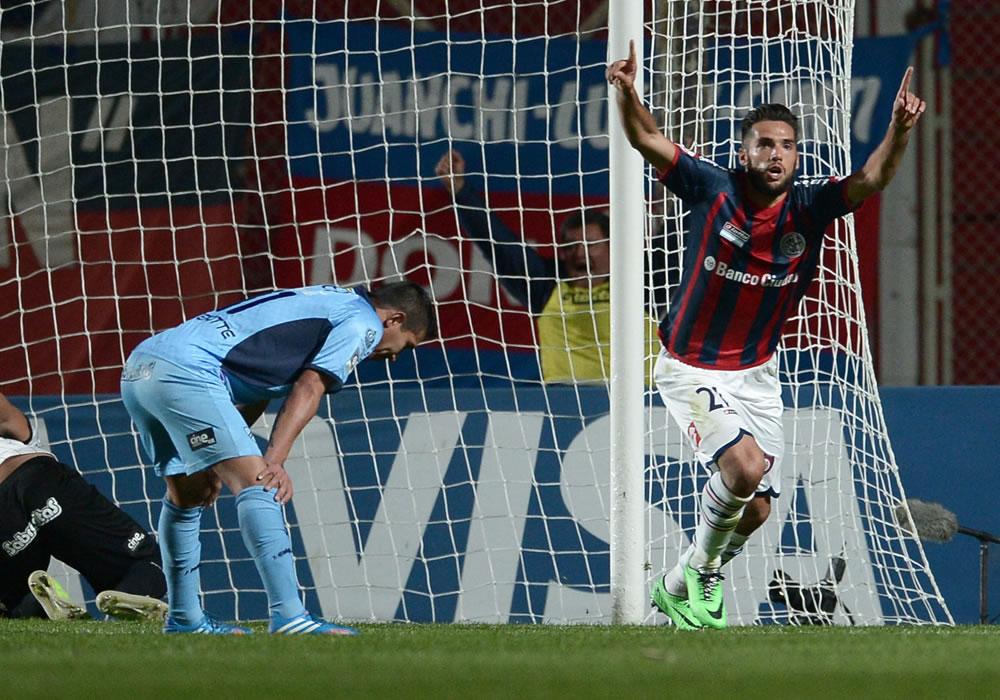 San Lorenzo pone un pie en la final al golear al Bolívar
