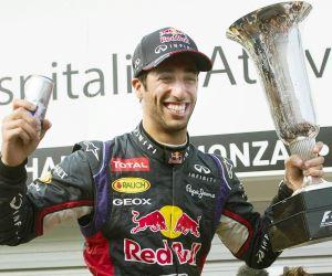 Ricciardo se confirma en Hungría, donde brillaron Alonso y Hamilton