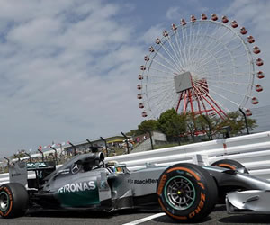 Hamilton lidera nuevo dominio de Mercedes en Suzuka, amenazada por un tifón