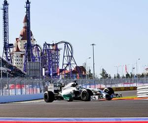 Hamilton domina el debut de Rusia, con Alonso tercero y Bianchi muy presente
