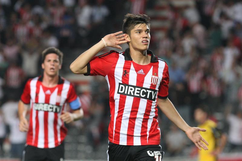 Estudiantes derrotó a Peñarol en el último minuto