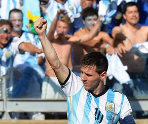 Martino se desborda de favoritismo y cree en Messi
