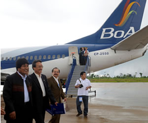 Morales inaugura vuelo directo de BoA a Miami, Estados Unidos