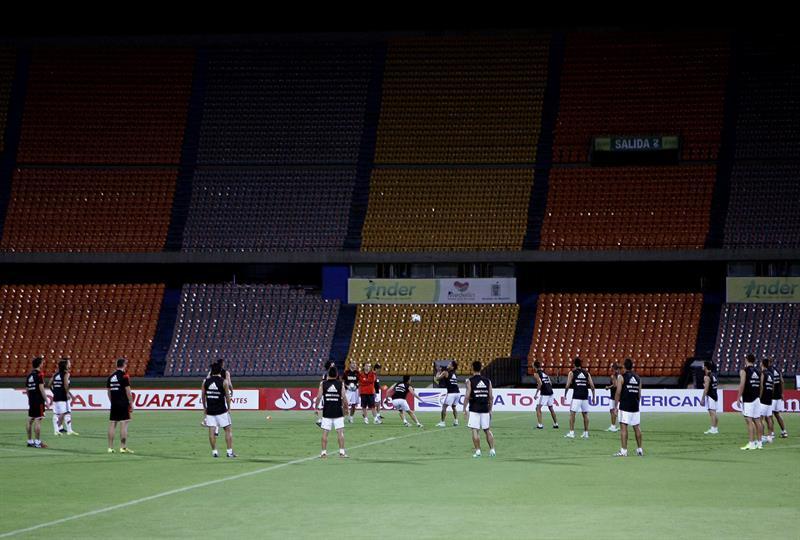 Imágenes de River reconociendo el estadio de Medellín