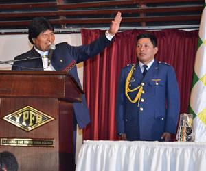 Presidente anuncia inicio de erradicación de 40 has de coca
