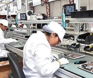 Quipus inicia ensamblado de 280.000 computadoras para estudiantes de secundaria