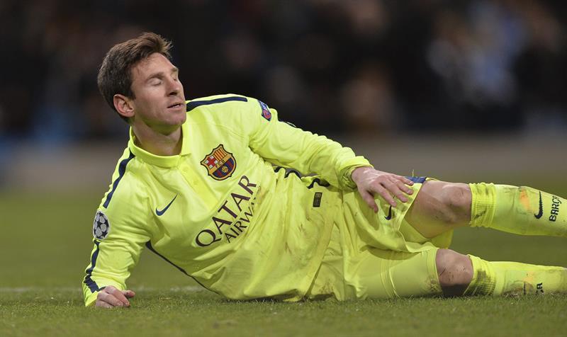 El delantero argentino FC Barcelona, Lionel Messi tras fallar un penalti en el último minuto ante el Manchester City. Foto: EFE
