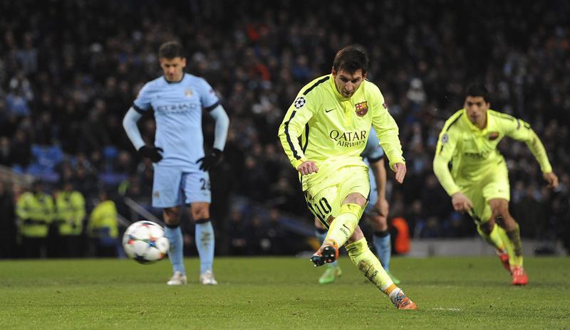 El delantero argentino FC Barcelona, Lionel Messi falla un penalti en el último minuto ante el Manchester City. Foto: EFE