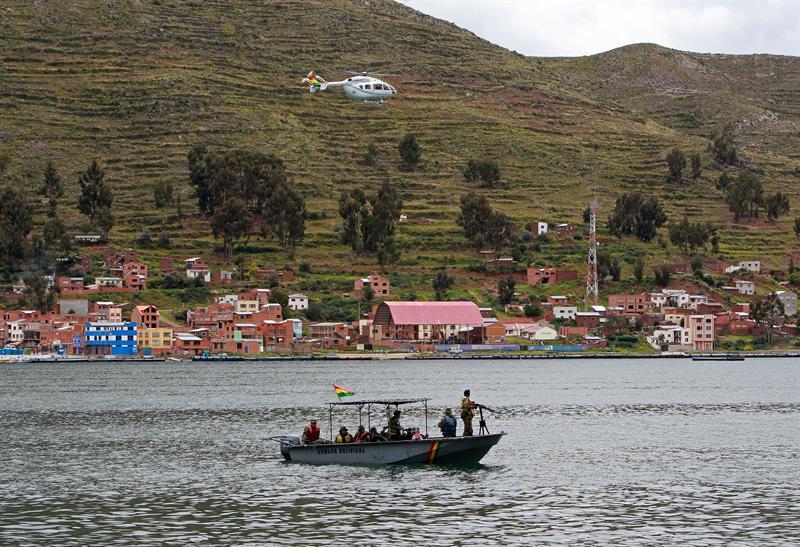 Policías y militares del país combatirán el narcotráfico, trata y tráfico de personas en lago Titicaca