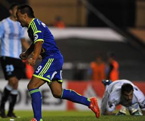 Con controversia Racing pierde ante Sporting Cristal en Avellaneda