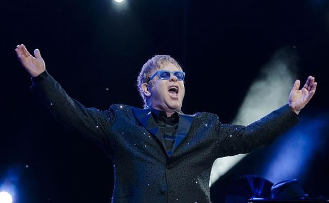 Elton John pide boicotear a Dolce&Gabbana por criticar a las familias gais. Archivo EFE