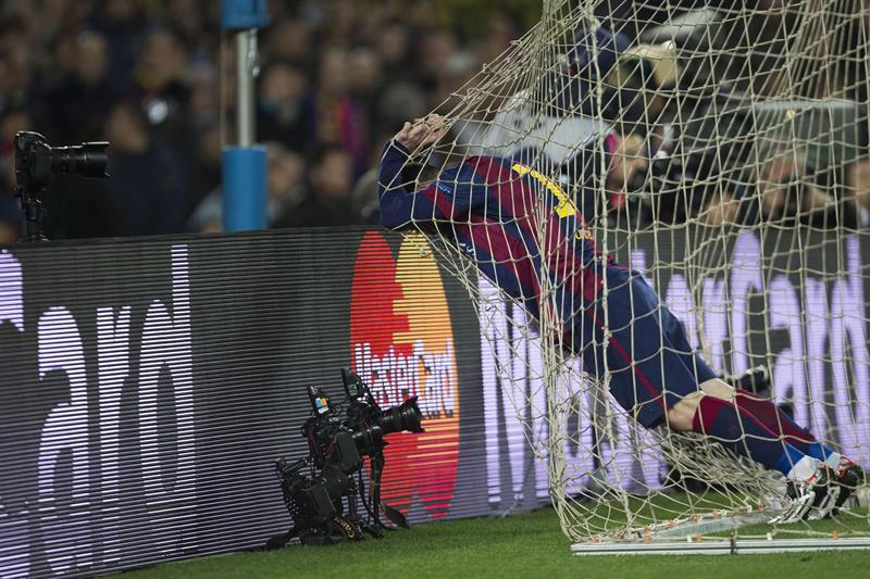 El delantero argentino del FC Barcelona, Leo Messi, se lamenta de una ocasión ante el Manchester City. Foto: EFE