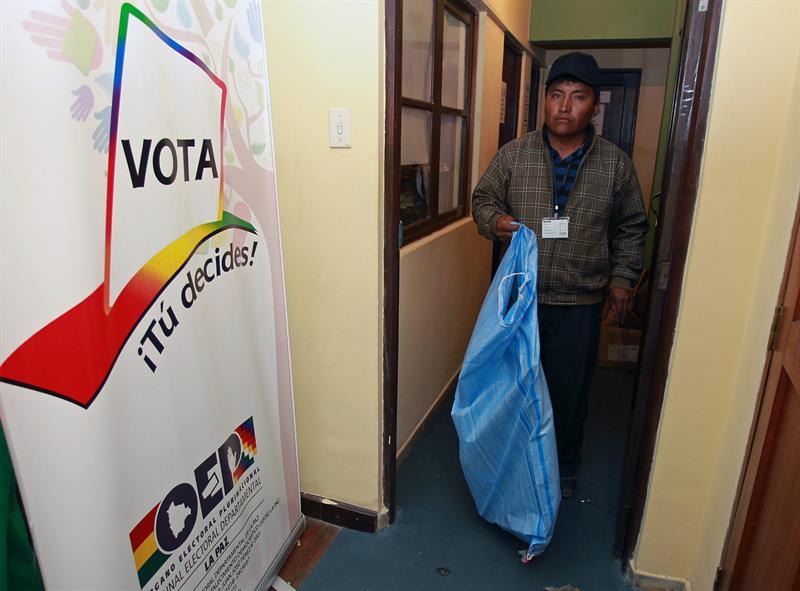 TSE confirma que el material electoral ya fue distribuido en todo el país