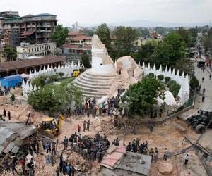 Muertos en Nepal superan el millar y afirman que la cifra seguirá subiendo