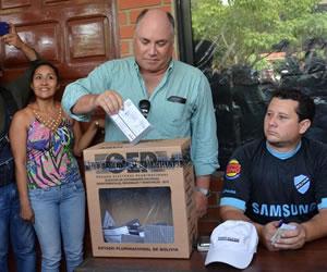 Segunda vuelta: Cierran centros de votación en Bolivia