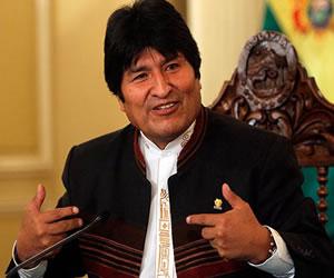 Bolivianos izarán banderas azules para acompañar proceso