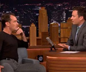 Jude Law habla de su visita a Bolivia en el show de Jimmy Fallon