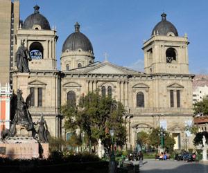 Catedral Metropolitana de La Paz es remozada por llegada del papa