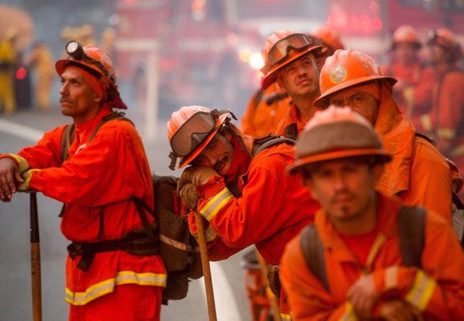 Más de 13 mil personas evacuadas por incendios en California, EEUU