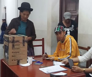 Referendo: avanza cómputo oficial de votos